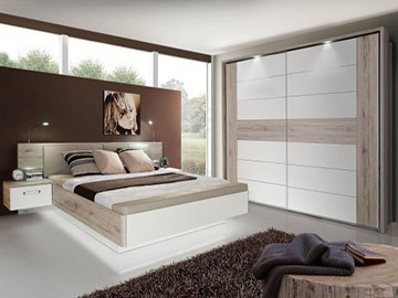 <p>Schlafzimmer Nachbildung Sandeiche kombiniert mit Wei&szlig; Hochglanz, bestehend aus Bettanlage 180x200 cn mit 2 Nakos und aufklappbarer Fu&szlig;bank und Schwebet&uuml;renschrank mit 2 T&uuml;ren, B/H/T: ca. 270x210x62 cm</p>