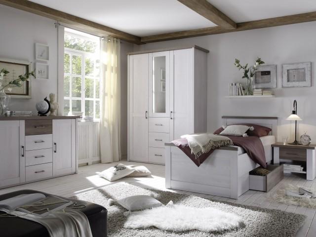 <p>Schlafzimmer Nachbildung Pinie Weiss/Tr&uuml&#x3B;ffel bestehend aus Bett 100x200cm inklusive Bettschubkasten, Nachttisch und Kleiderschrank 3-trg, BHT 142x212x62cm, mit Spiegelt&uuml&#x3B;r</p>