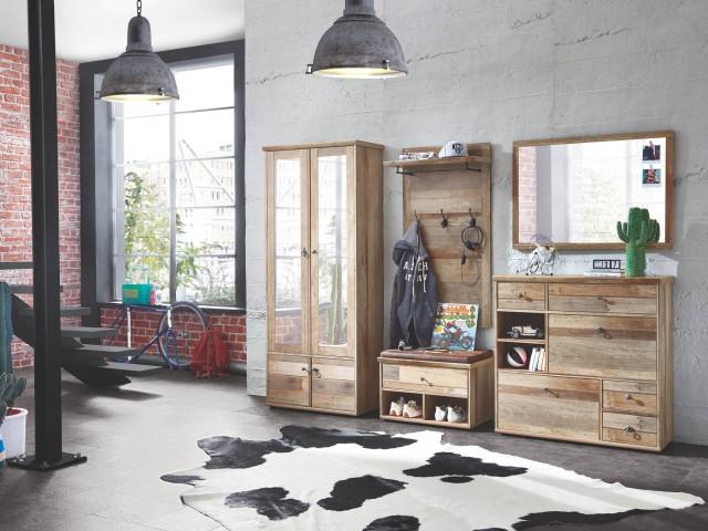 <p>Garderobe Driftwood Nachbildung mit sichtbaren dunkelgrauen R&uuml&#x3B;ckenw&auml&#x3B;nden, BHT 274x189x40cm</p>