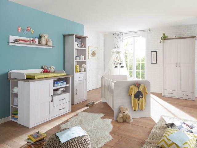 <p>Babyzimmer in Nachbildung Pinie Weiss/Tr&uuml;ffel, Zusammenstellungsm&ouml;glichkeit nach Typenplan.</p>